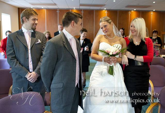 Becky amp graham s wedding at witney registry office 187 nordicpics