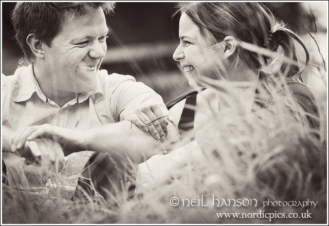 natural relaxed contemporary engagement portraits in the beautiful surroundings of Blenheim Palace in Oxfordshire