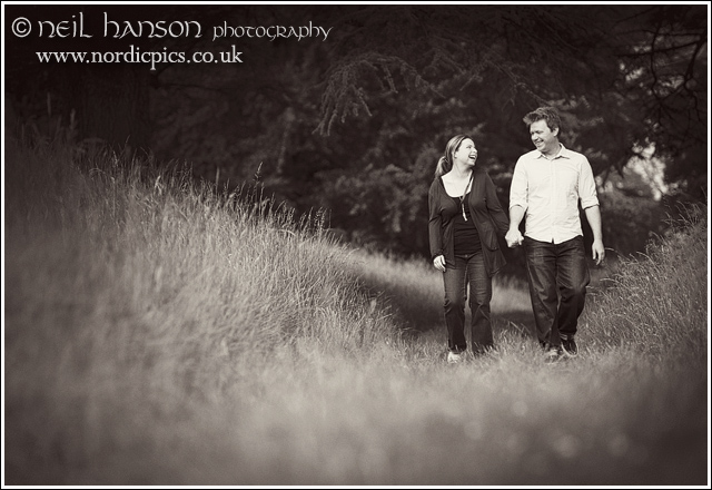 Blenheim Palace engagement portraits by oxfordshire photographer neil hanson